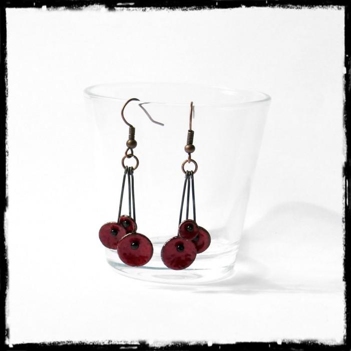"""Boucles d'oreilles pendantes """"Petites fleurs """"bleu- émaux sur cuivre - pendants - Légères et romantiques - bijoux de créateur"""