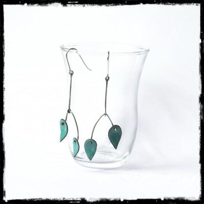 Boucles d'oreilles longues - Design et modernes - Emaux sur cuivre couleur vert bleu - Tige Argent 950 - Bijoux de créateur
