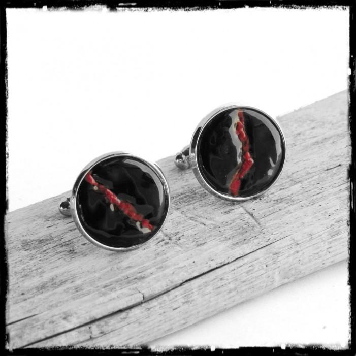 Boutons de manchettes rouges et noirs argentés pour homme - modèle design et moderne