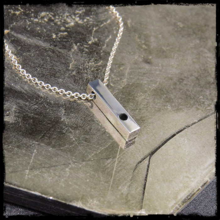 Sterling Silver Solid 925 Bar pendant necklace contemporary black glass point design