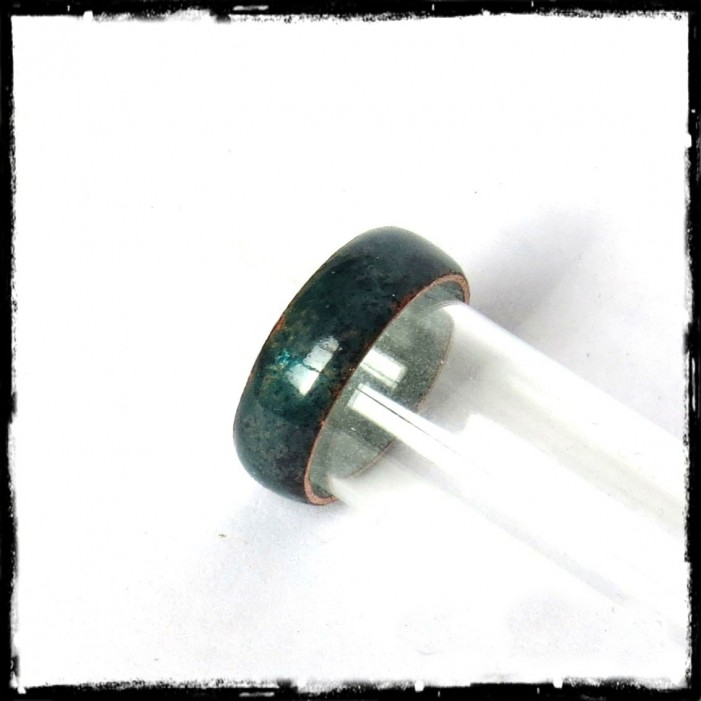 Simple rustic style ring road in enamels on copper - creator ring - Emerald Green - Customizable color