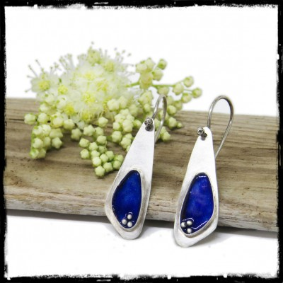 Boucles d'oreilles fine design épuré en argent massif et emaux bleu
