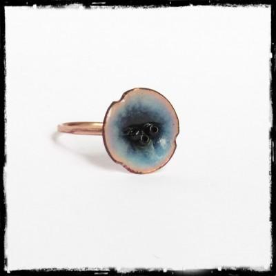 Bague fleur en émaux sur cuivre - Bleue - Style Romantique - Perles de verre - Fait main- Taille et couleursur mesure