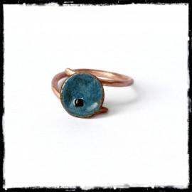 Bague romantique petite fleur en cuivre brut et émaux sur cuivre- anneau cuivre verni