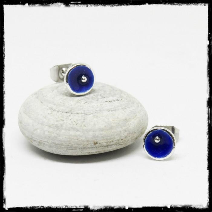 Petites Puces d'oreilles design argent massif bleu foncé 6mm