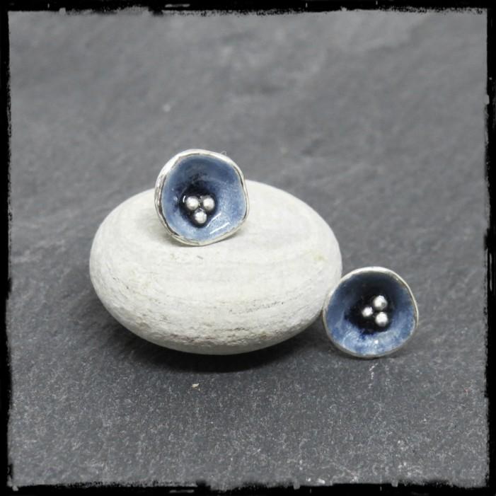 romantics gray blue silver earstuds round enamel