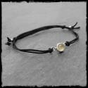 Bracelet fin réglable Argent massif et Calcédoine cordon soie noire