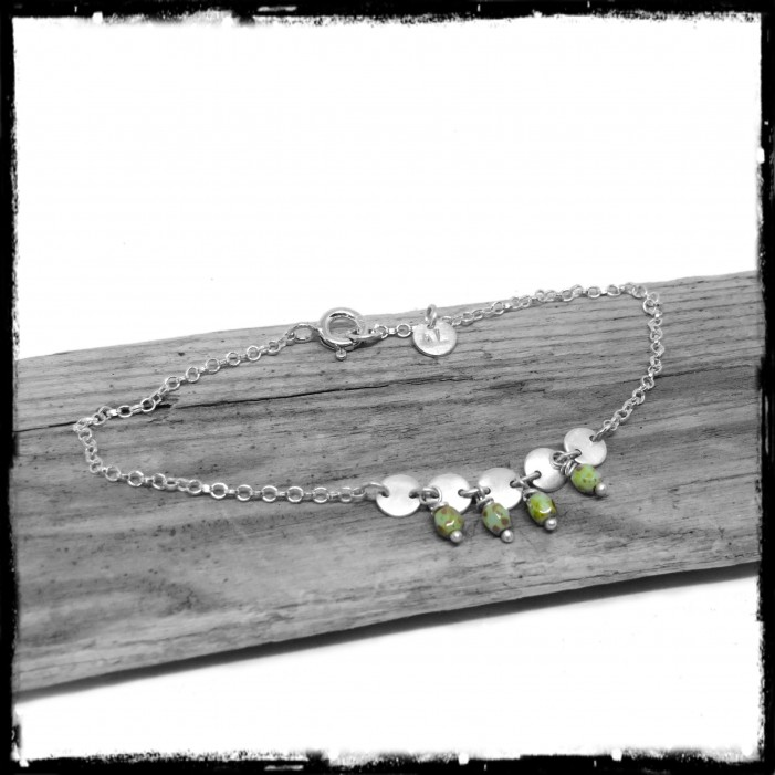 Romantic bohemian bracelet in sterling silver and glass beads