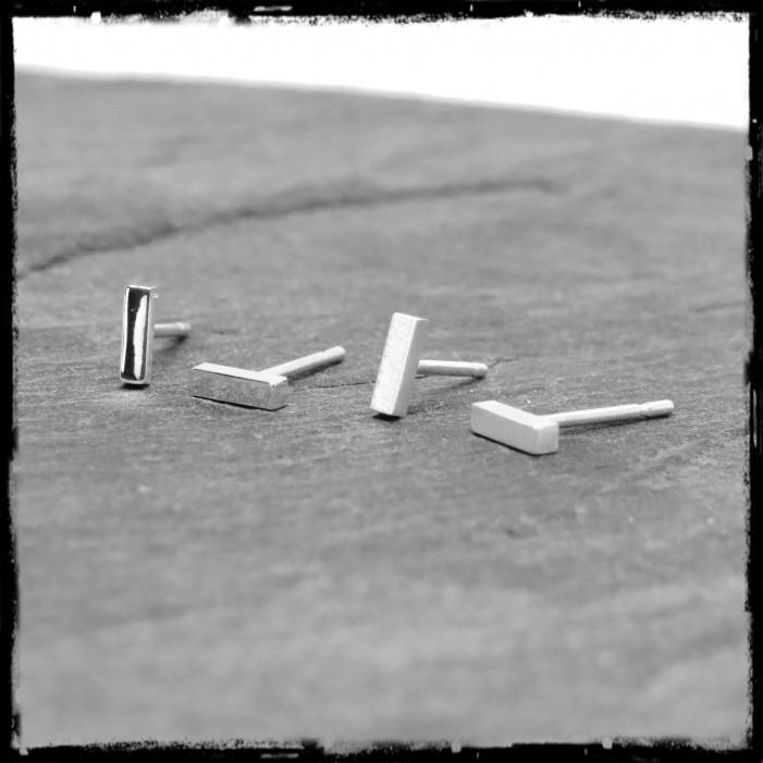 Mini Puces d'oreilles barre minimalistes argent massif design et modernes