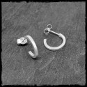 Boucles d'oreilles créoles minimalistes argent massif section carrée