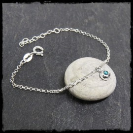 Fine pebble chain bracelet in sterling silver and gemstone
