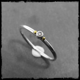 Solid solitaire ring in sterling silver and gemstone or zirconium