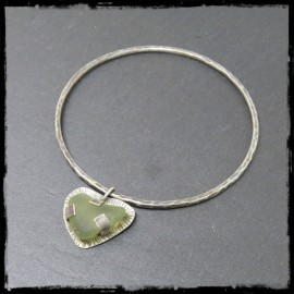Textured patinated silver bangle with heart charm in seaglass heart- Saint Valentin -