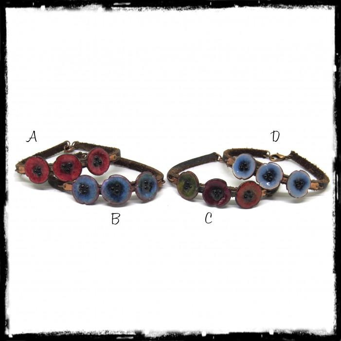 Bracelet romantique - Fleurs jaunes - Emaux sur cuivre - Rustique et elegant - Lacet cuir marron