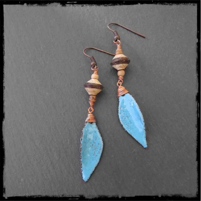 Boucles d'oreilles longues - Design - Forme Feuille et tige en argent- émaux sur cuivre vert et marron - Argent 950