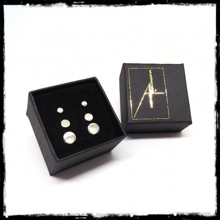 Petites puces d'oreilles minimalistes rondes en argent massif finition poli miroir
