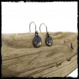 Boucles d'oreilles contemporaines argent massif patiné et feuille d'or keum boo