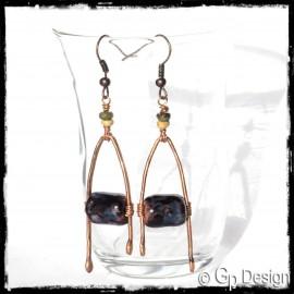 Boucles d'oreilles longues ethniques - Design - Forme Feuille émaux sur cuivre vert et marron - perles végétales