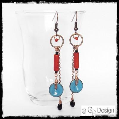 """Boucles d'oreilles """"Esprit libre"""" Style  boho - longues- emaux sur cuivre et perles de verre"""
