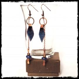 """Boucles d'oreilles """"Nevada""""- Boho style- Cuivre brut et cuivre émaillé- bleu - longues et originales"""