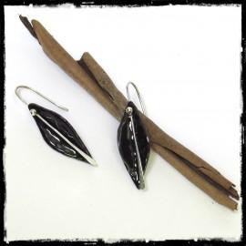 Boucles d'oreilles noires forme feuille en argent mi-longues - Design - Emaux sur cuivre - Noires brillantes