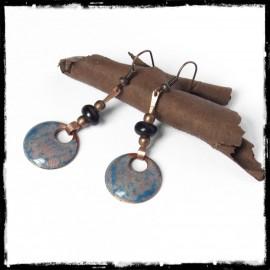 Longues Boucles d'oreilles originales style bohème bleues - émaux sur cuivre - Perles en verre