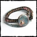 Bracelet manchette cuir et médaille emaux sur cuivre perles verre style rustique bleu turquoise rosé