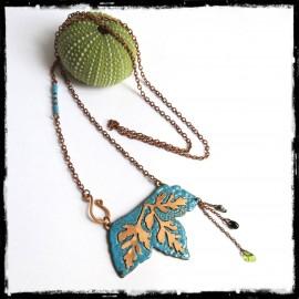 collier long sautoir inspiration nature feuille cuivre et emaux turquoise modèle unique