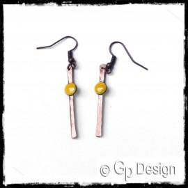 """Boucles d'oreilles design """"Petit Point"""" Jaune- longues - Tige cuivre avec disque cuivre émaillé - Longues - bijoux de créateur"""