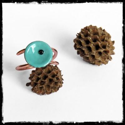 Bague romantique fleur en émaux sur cuivre - vert turquoise -  Perles de verre - Fait main- Taille et couleur sur mesure