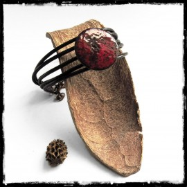 Women bracelet in leather - medal on copper rustic style red and black - wrap effect