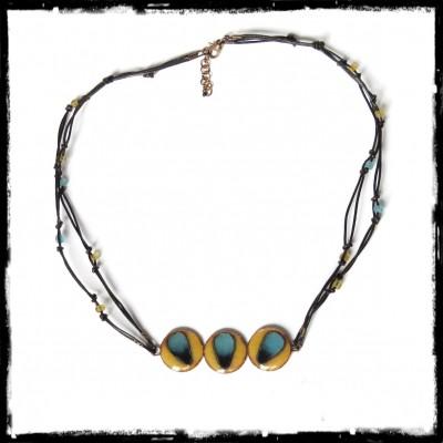 Collier de créateur au style ethnique et tribal - Modèle très original - émaux sur cuivre façon cloisonné- cordon cuir