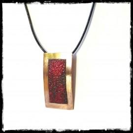 Collier pendentif minimaliste design et élégant forme géometrique rectangle rouge profond et cuivre poli lacet cuir -