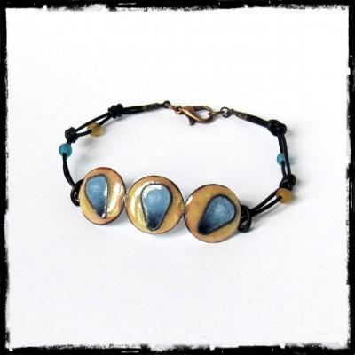 Bracelet de créateur - Emaux cloisonnés -Lacets cuir et perles de verre - Sur commande