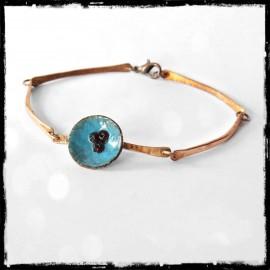 Bracelet fin et romantique en cuivre brut verni - chaine cuivre faite main - fleur en émaux sur cuivre turquoise-perles en verre
