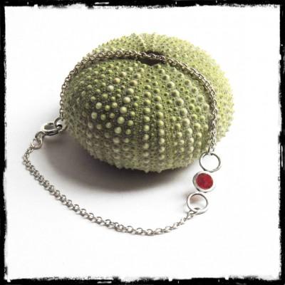 Bracelet romantique fin et design en argent massif et verre rouge effet vitrail - chaine forçat argent massif