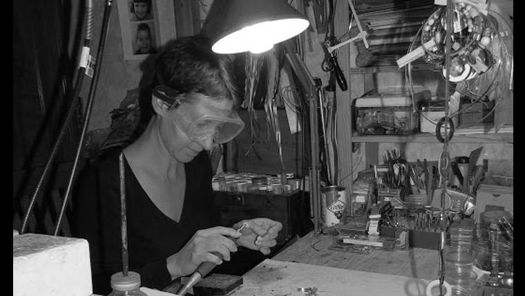 La créatrice de Gpdesign dans son atelier